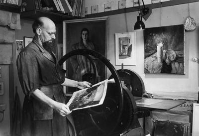 Hans van Dokkum in zijn atelier